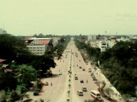 Video 34 - Subida al Patuxai, Vientiane