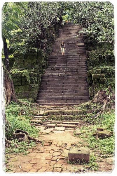 Enormes escaleras de acceso