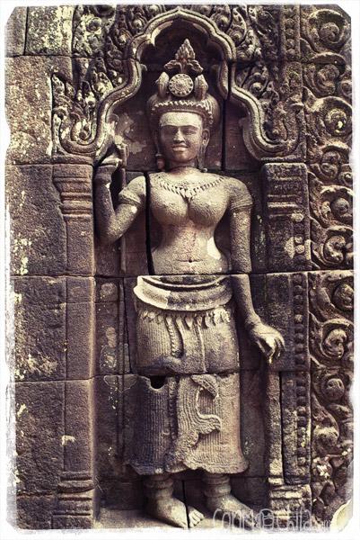 Imágenes talladas en piedra