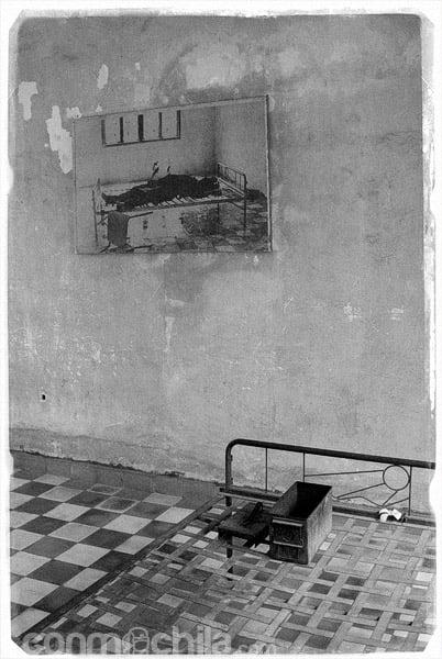Cama en sala de tortura