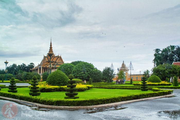 Los jardines del palacio real de Phnom Penh