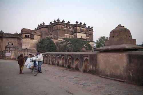 Vista de los palacios desde el puente