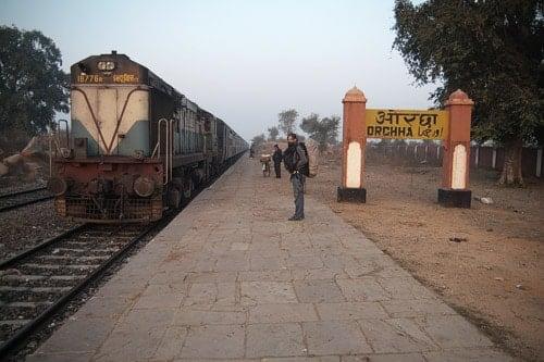 El tren que nos llevaría de Orchha a Khajuraho