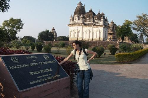 En los templos de Khajuraho, los bien cuidados...