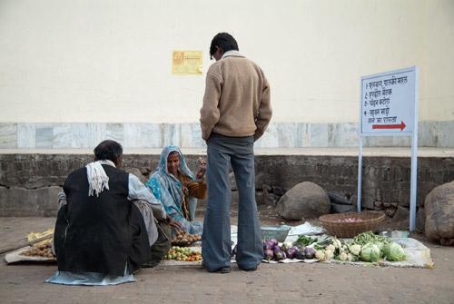 Una vendedora de verduras