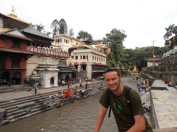 Itinerario de viaje a India y Nepal: Templo de Pashupatinath en Kathmandu