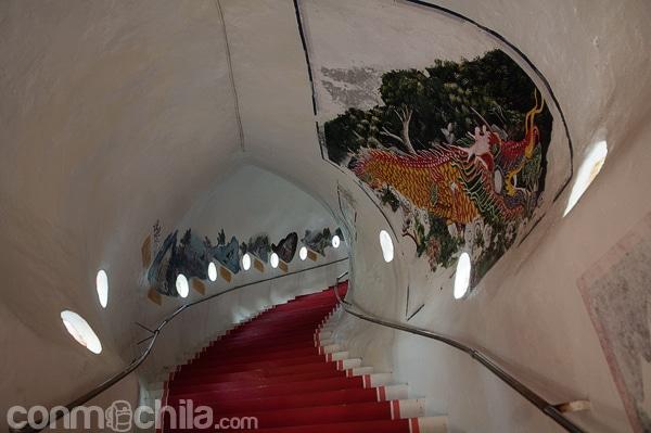 Escalera del interior del dragón