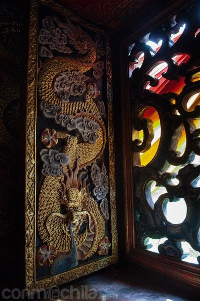 Detalles y ornamentación del templo chino