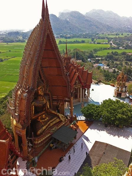Vista de Buda desde lo alto de la estupa