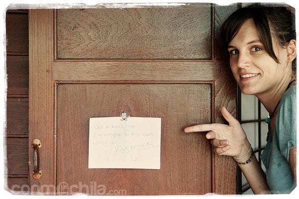 La nota que nos pegó en la puerta
