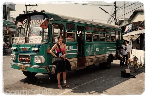 El autobús que nos llevaría a Lopburi