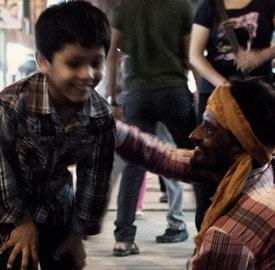 El menidigo y el niño de Paharganj