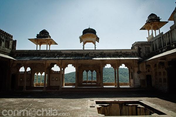 Uno de los balcones del palacio