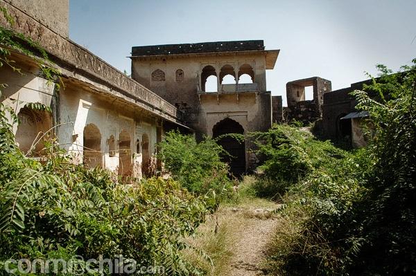Subiendo al fuerte Taragarh