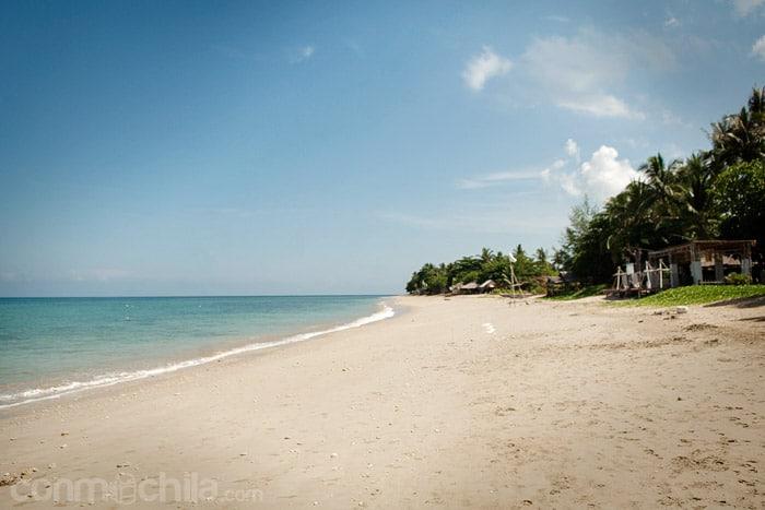 La playa de Klong Khong