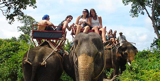 Una de las turistadas clásicas en Tailandia