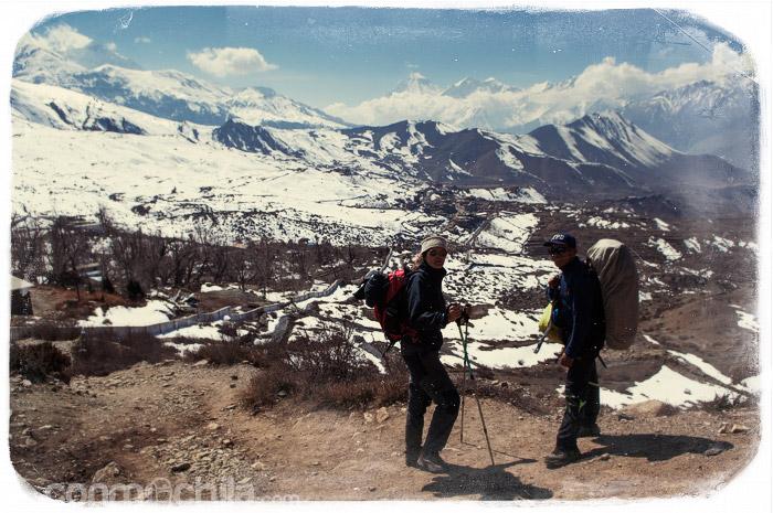 Vistas de Muktinath de lejos