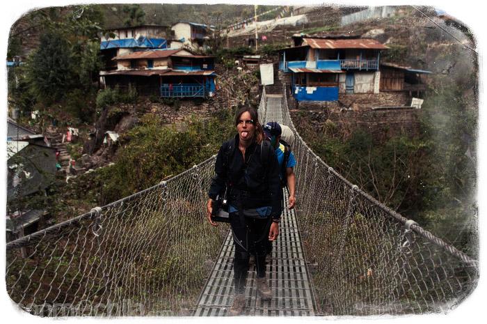 El último puente colgante del trekking que cruzaría