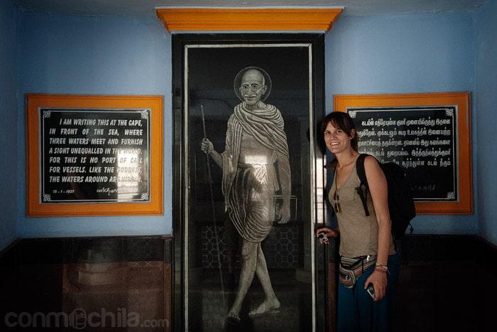 Junto a Gandhi
