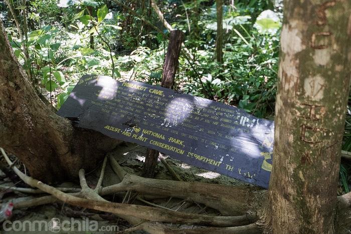 El cartel que anuncia el nombre de isla