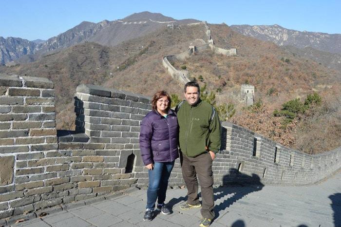 Idalmis y Alexis en la Gran Muralla China