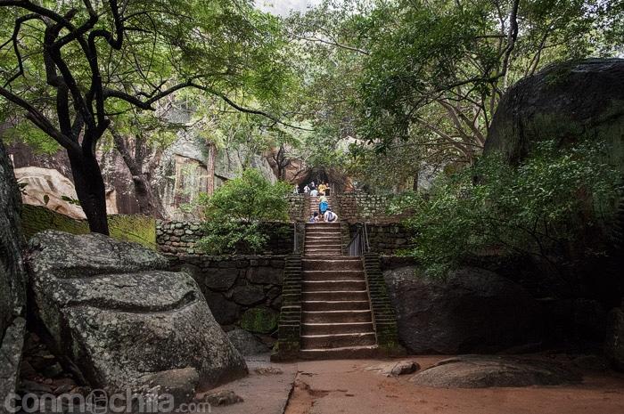 Escaleras de acceso al complejo