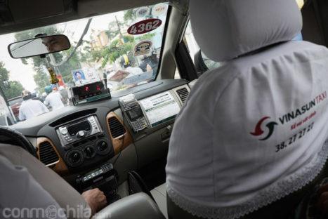 Nuestro taxi con el taxímetro encendido
