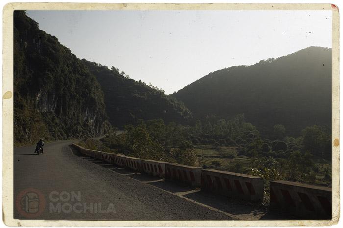 La carretera que cruza la isla