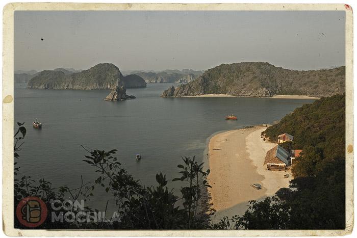 Espectacular vista de la playa de Monkey island