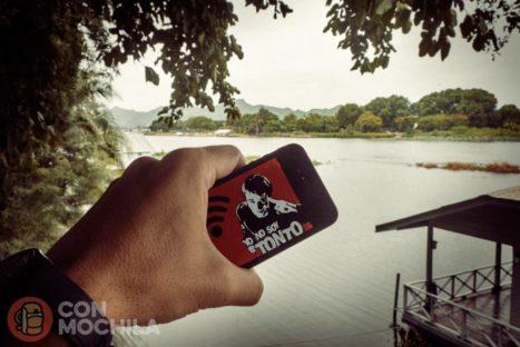 """Disfrutando de """"Todoeldiainternet"""" a precio de risa al lado del río Kwai"""
