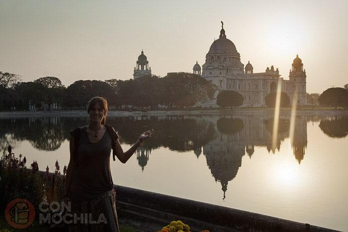 Puesta de sol ante el Victoria Memorial