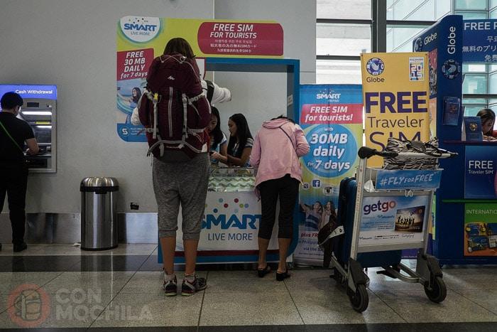 Comprando la tarjeta SIM en el aeropuerto