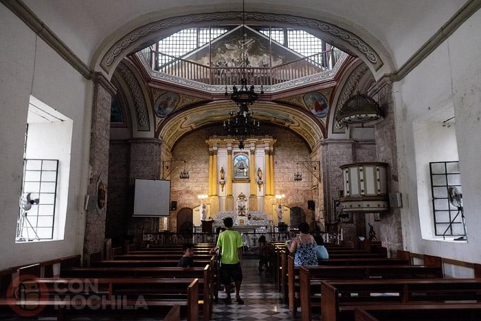 Vista de la iglesia por dentro