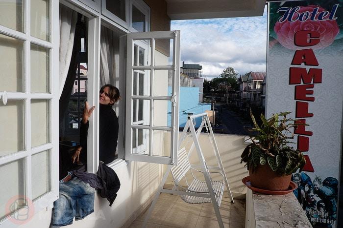 El balcón de nuestra habitación del hotel Camellia