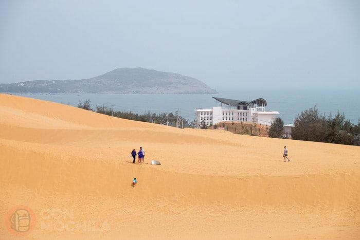 Los niños de las dunas