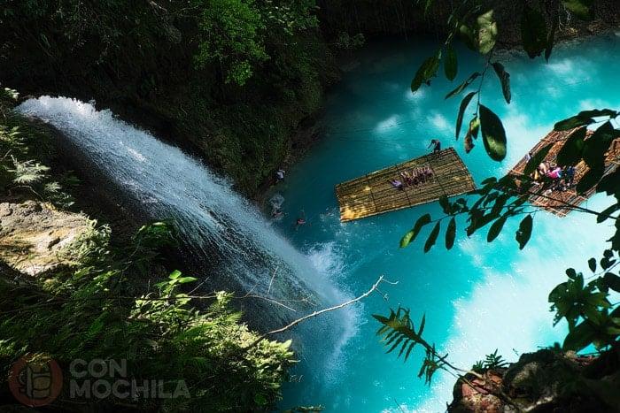 Kawasan falls: primer nivel visto desde arriba