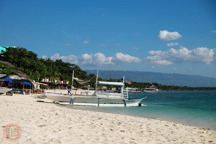 White beach de Moalboal