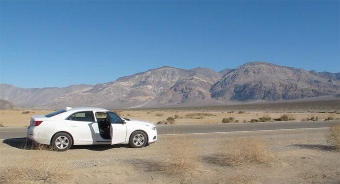 Itinerario de viaje a EEUU: Parando a estirar las piernas en el Valle de la Muerte, uno de los sitios que más nos sorprendió de todo el viaje