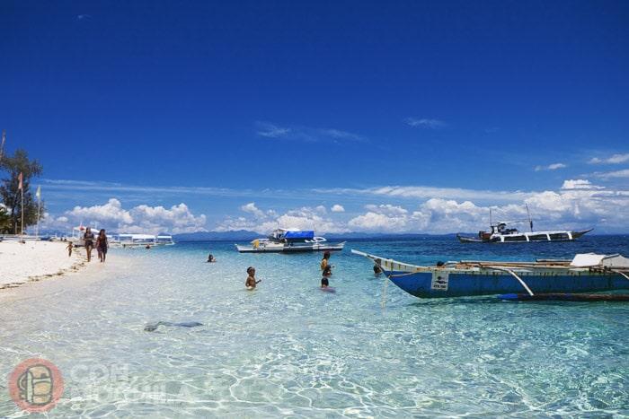 Siempre apetece nadar en Malapascua