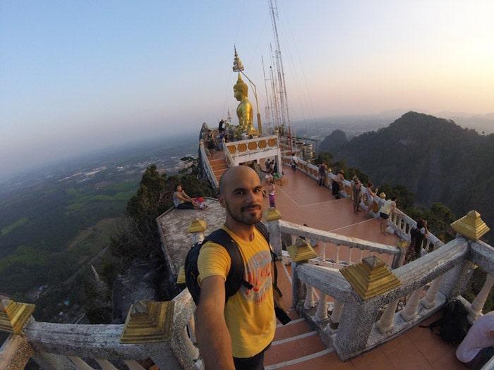 Itinerario de viaje a Tailandia: Atardecer en el Tiger Cave Temple de Krabi