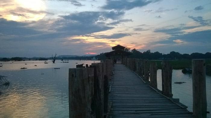 Itinerario de viaje a Myanmar: El impresionante puente de teca U-Bein en Amarapura
