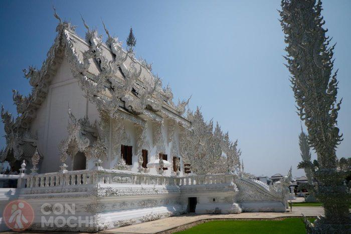 El templo desde la parte anterior