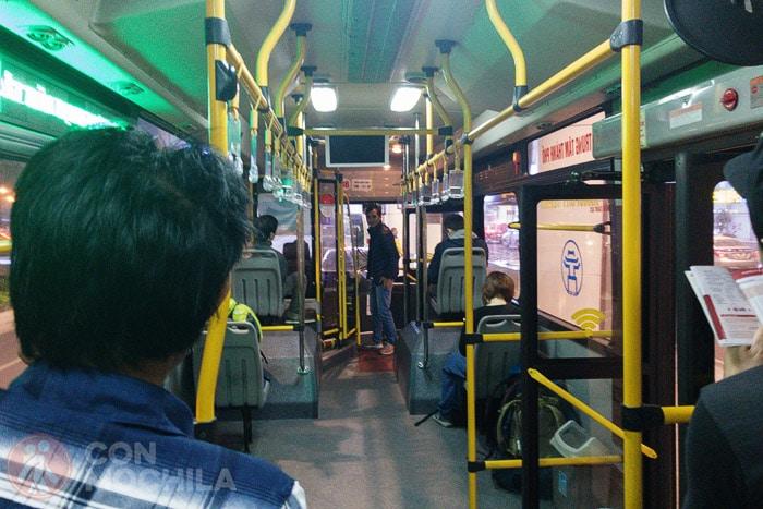 Interior del express bus 86