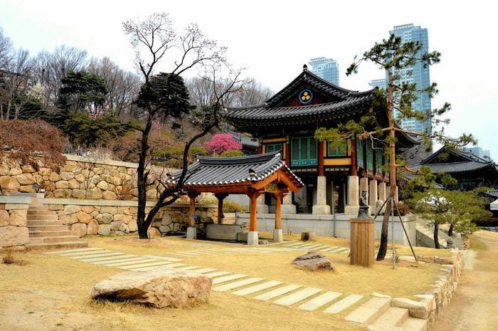 Seúl un contraste continuo de lo tradicional y lo moderno