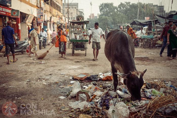 Una calle de Varanasi