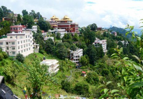 Namobuddha Temple y las impresionantes montañas de Nepal