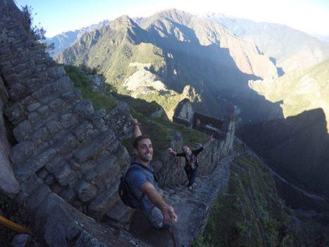 Subida al Huayna-Pcchu con vistas a Machu-Picchu