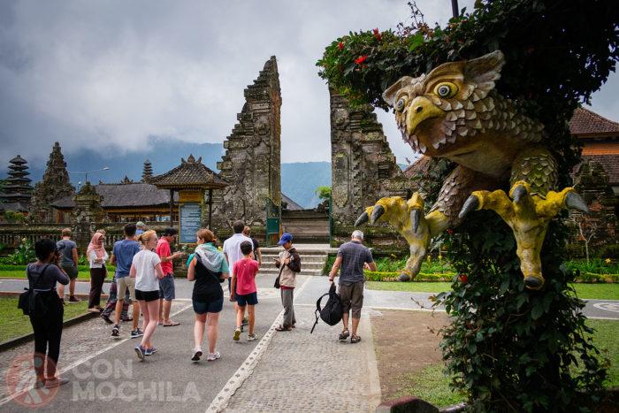 La puerta de entrada a los templos
