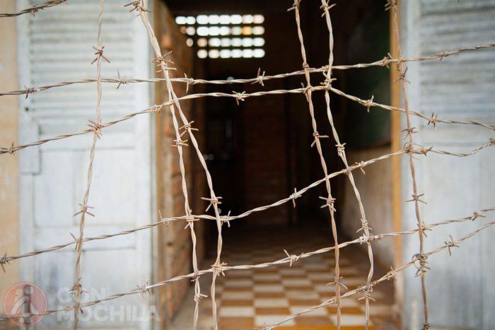 Hilo de espino, triste objeto presente en casi todas las atrocidades de la historia