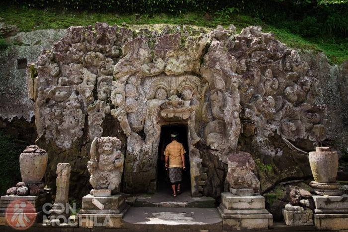 Entrada a la Cueva del Elefante o Goa Gajah